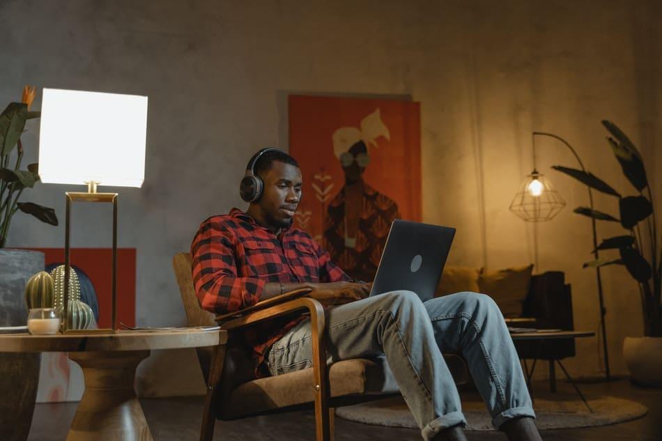 escape room online helps in remote team building